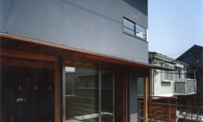 【自由が丘の家】  宙に浮いたテラスが特徴の住宅 (テラス)