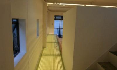 繋がる家 -工場兼用住宅を住宅にリノベーション- (2階通路)