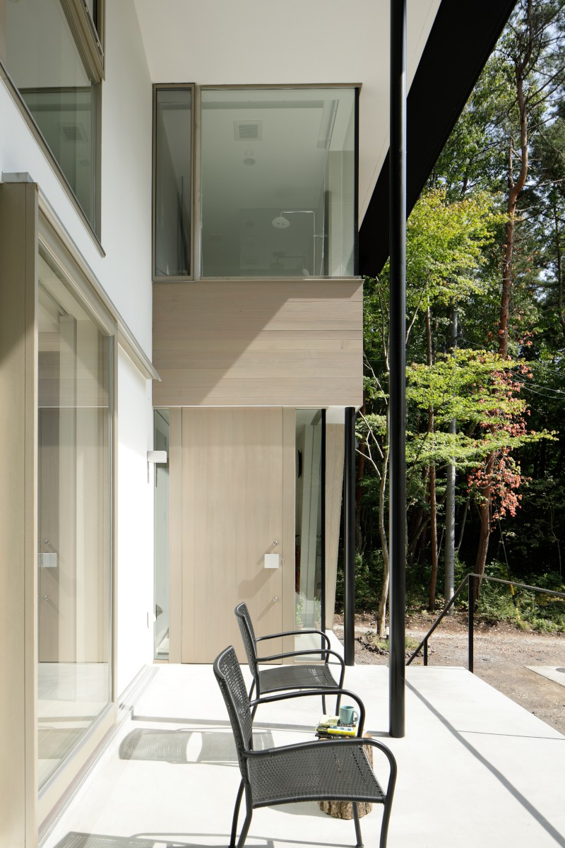 062m-house in 軽井沢 (玄関ポーチ)