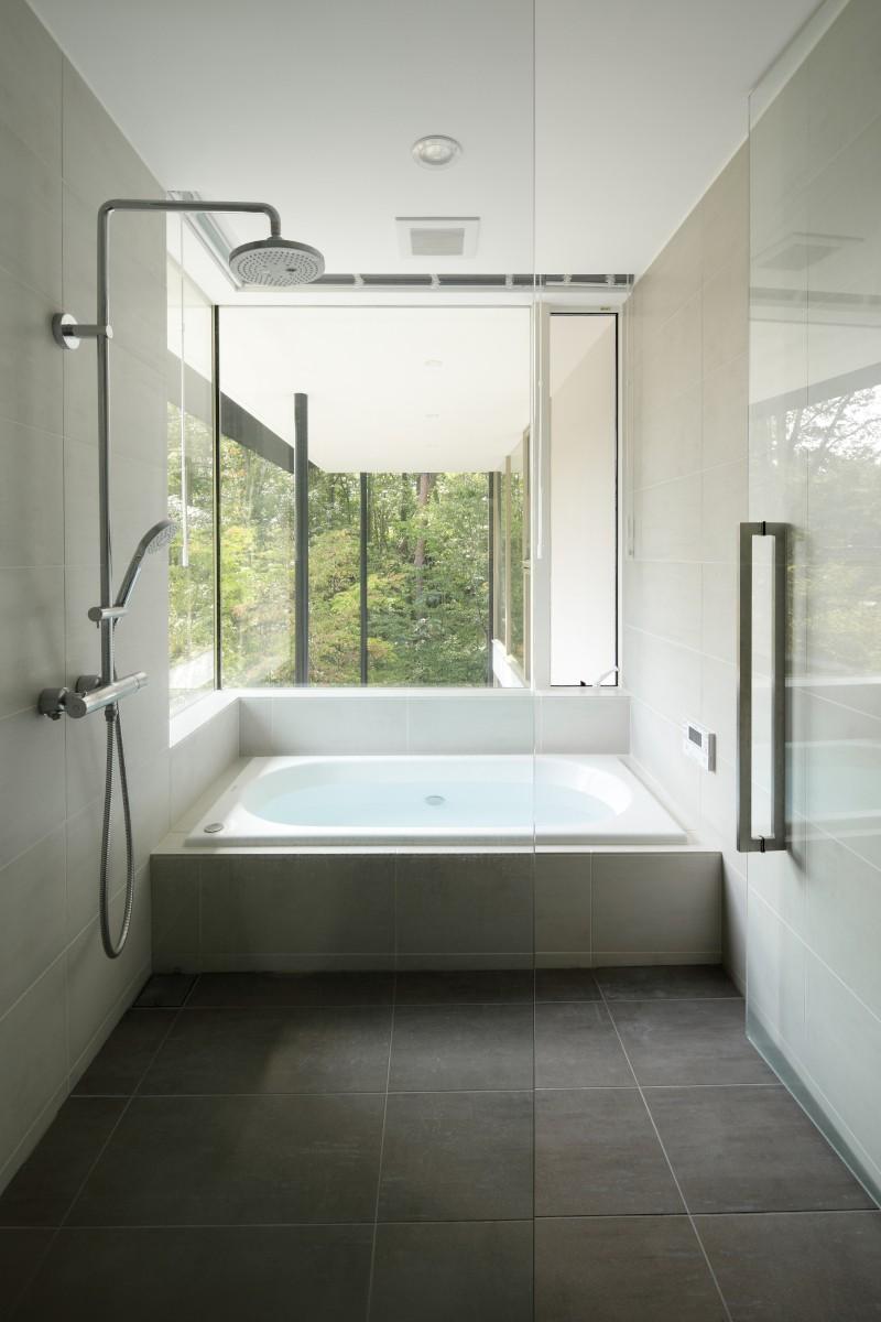 バス/トイレ事例:浴室(062m-house in 軽井沢)