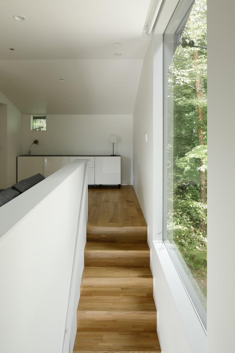 062m-house in 軽井沢 (階段)