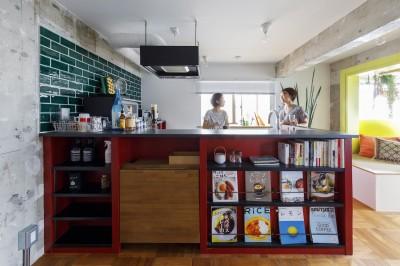 キッチン (七味—制約のある物件で実現した、やりたいことがギュッと詰まった暮らし)