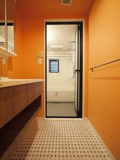 バスルーム (外国風カラフルな水まわり)