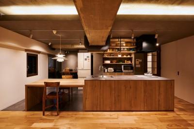 粗面RCの家 (キッチン・ダイニング)