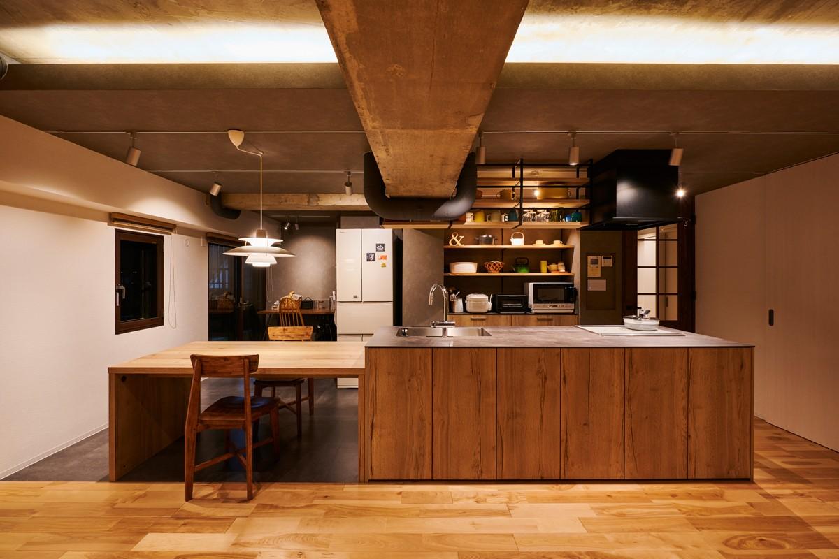 キッチン事例:キッチン・ダイニング(粗面RCの家)