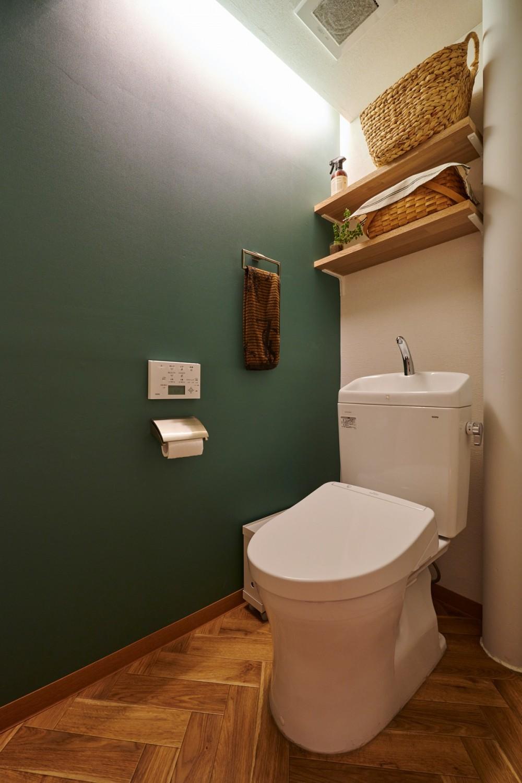 粗面RCの家 (トイレ)