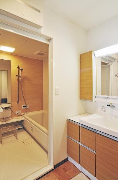 洗面・浴室 (リフォームで、持続可能な住居へ)