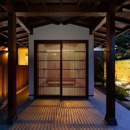 姫路・天満の家 離れ (玄関外観(夜景))