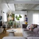 S邸-素材選びにこだわって、シンプルな家が個性的にの写真 リビング