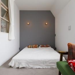 S邸-素材選びにこだわって、シンプルな家が個性的に (ベッドルーム)