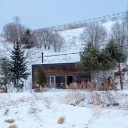 美瑛の家~美瑛の自然に寄り添う、小さな家の豊かな暮らし〜 (外観)