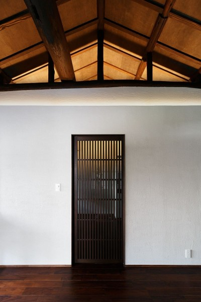壁と天井と建具 (姫路天満の家・第一期)