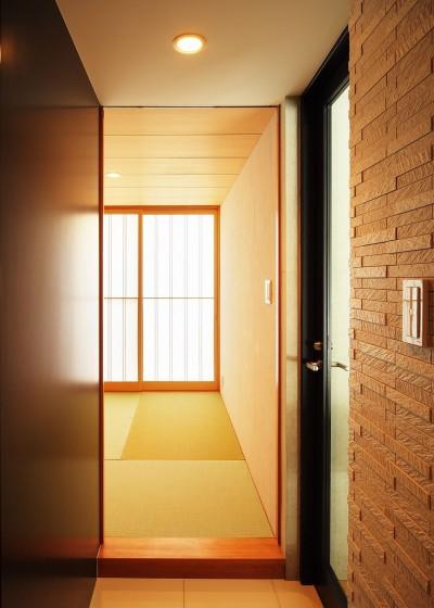 廊下から和室へ (VILLA ROKKOU)