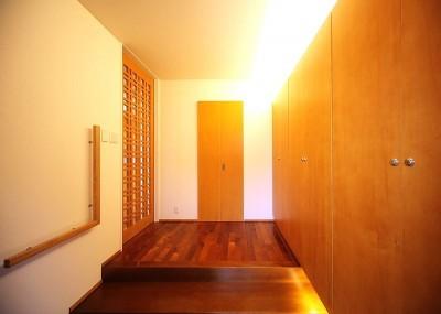 玄関と玄関収納壁 (IN・EX・PLUS)