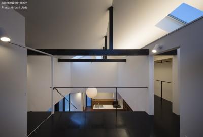2階寝室夜景 (建もの探訪で放送 レコード棚のある家 OUCHI-43)