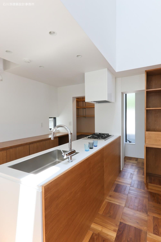 建もの探訪で放送 レコード棚のある家 OUCHI-43 (キッチンと収納)