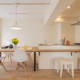 間取りを解放してキッチン一体型ダイニングが中心のマンション・リノベーション
