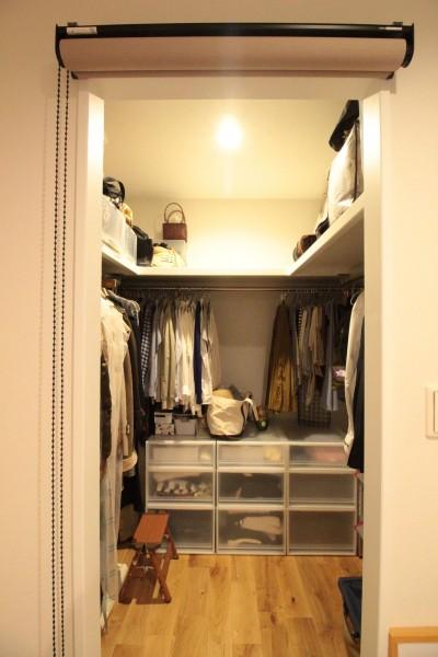 寝室(W.I.C.) (ご不満を解消!心地良い間取りに自然素材リノベーション)