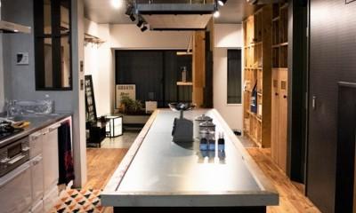 キッチン/テーブル|「家族の繋がりを最優先にした、ドミトリーのような家」座間市U様邸