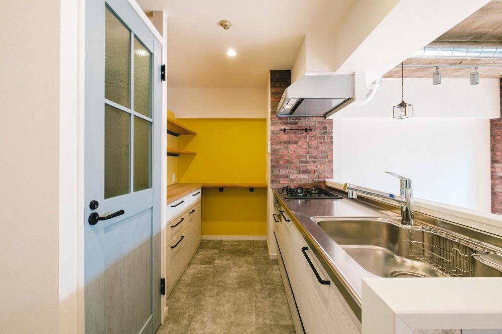 個性が光るテイストMIX空間 (キッチン)