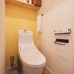 光の溢れる、家族の暮らし-トイレ