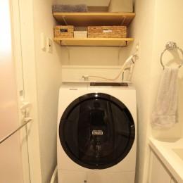 ご不満を解消!心地良い間取りに自然素材リノベーション (洗面室)