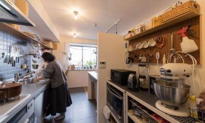 すきなモノに囲まれて 趣味を楽しむ住まい (キッチン)