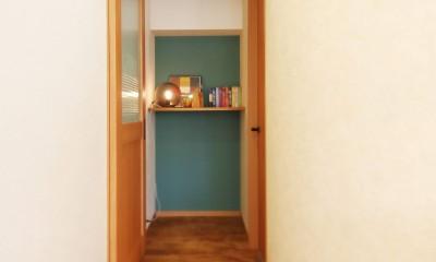家中に「好き」が溢れる、ボタニカルな住まい (廊下・収納)