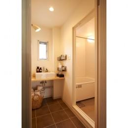 新しくて懐かしい。家族の新生活に寄り添う「団地リノベ」 (洗面室/浴室)
