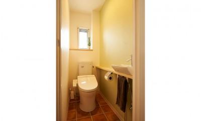 新しくて懐かしい。家族の新生活に寄り添う「団地リノベ」 (トイレ)