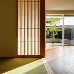 富田林の家 (玄関ホールと和室)