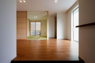 玄関ホール (富田林の家)