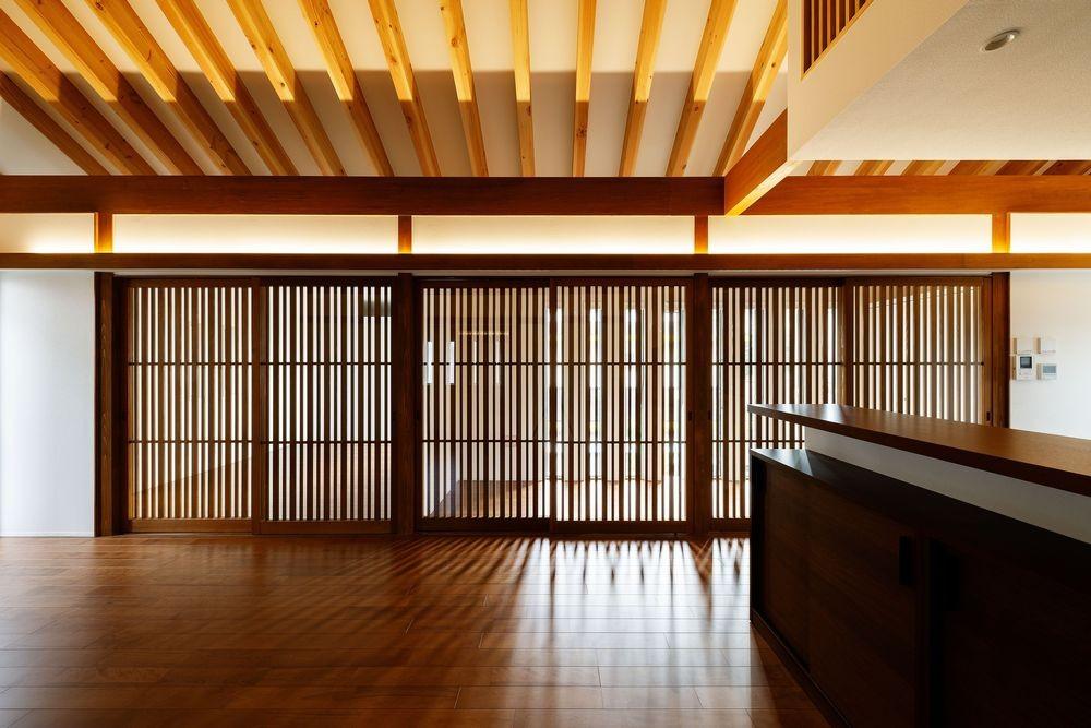 富田林の家 (LDK・点灯時)