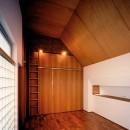 【大通りに建つ家】  騒音振動からすこやかな生活を守る砦の写真 ベッドルーム