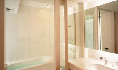 【大通りに建つ家】  騒音振動からすこやかな生活を守る砦 (浴室・洗面)