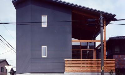 【川口の家】  柱と梁の立体格子がつくる巨大なワンルーム