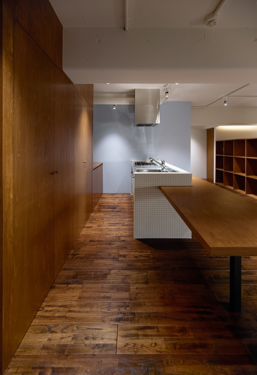 Doux パリのおしゃれなアパルトマンをイメージした ワンルーム空間リノベの写真 キッチン