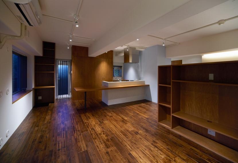 Doux パリのおしゃれなアパルトマンをイメージした ワンルーム空間リノベの部屋 リビング2