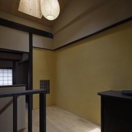 中京の家#京町家大規模リノベーション (光が差し込む階段室)