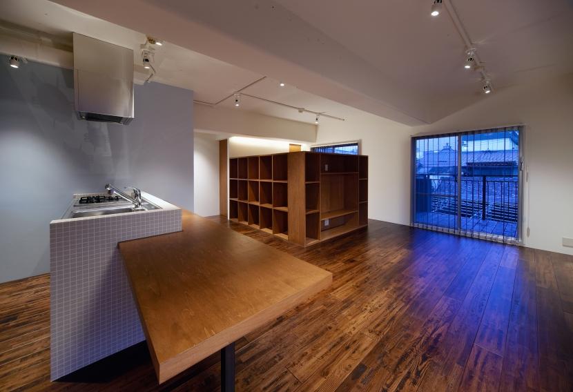 Doux パリのおしゃれなアパルトマンをイメージした ワンルーム空間リノベの部屋 リビング3