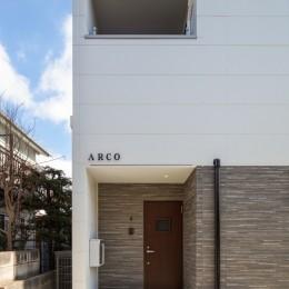 ARCO 賃貸併用住宅+店舗 (賃貸玄関)
