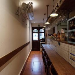狭小地に建つイタリアンレストラン (カウンター)