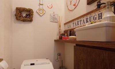 狭小地に建つイタリアンレストラン (お店トイレ)