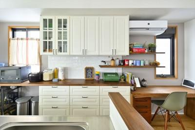 IKEAのキッチン収納 (O邸_家族と一緒に)