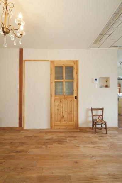 大阪府Mさん邸:古い一軒家がフレンチカジュアルな広々LDKに (オリジナル建具)