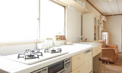 大阪府Mさん邸:古い一軒家がフレンチカジュアルな広々LDKに (キッチン)