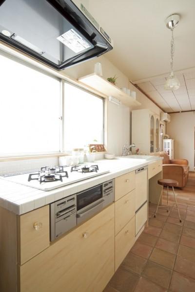 キッチン (大阪府Mさん邸:古い一軒家がフレンチカジュアルな広々LDKに)
