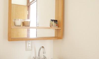 大阪府Mさん邸:古い一軒家がフレンチカジュアルな広々LDKに (オリジナル洗面台)