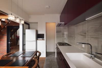 キッチン (I邸_住み心地と暮らしやすさと)