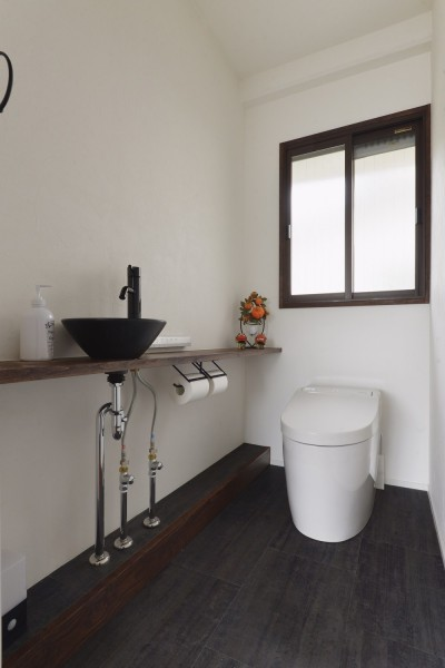 トイレ (I邸_住み心地と暮らしやすさと)